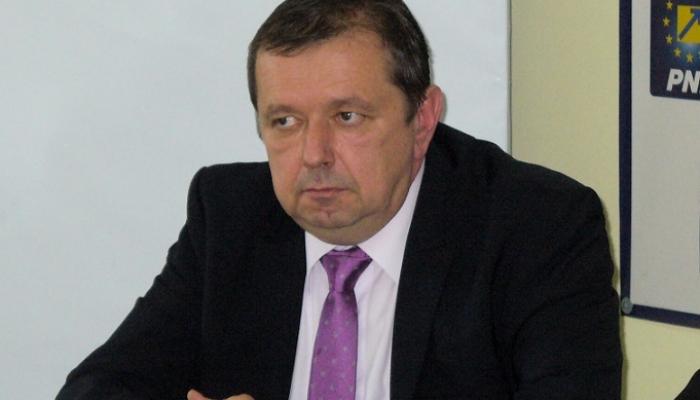 Simona Draghincescu ii da lectii incompatibilului Florin Carligea